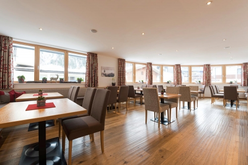 Start the day well: In the new breakfast room in St. Anton am Arlberg